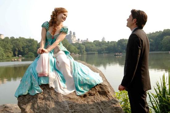 Enchanted มหัศจรรย์รักข้ามภพ หนังรักอารมณ์ดีที่ต้องดู