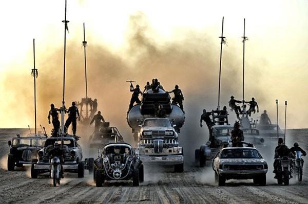 Mad Max Fury Road ถนนนรกโลกันตร์ ตำนานความมันส์ แบบสุดติ่งกระดิ่งแมว
